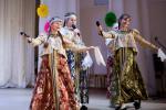 На сцене Новонежинского Дома культуры творческие коллективы со всего Шкотовского района показали своё мастерство